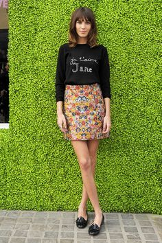 <3 Alexa Chung! 1. Cute jumper 2. Flowery skirt 3. Pumps 4. Grow another 5 inches to my legs....
