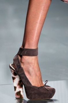 81c81de8c819 Christian Dior Fall 2012 Ready-to-Wear Fashion Show