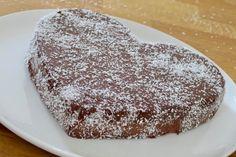Fondant noix de coco et chocolat   Dans la famille Cuisine, je voudrais... Chiffon Cake, Food Cakes, Tea Party, Panna Cotta, Cake Recipes, Buffet, Biscuits, Gluten, Cheesecake
