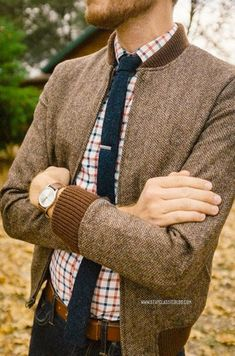 This autumn get ready for the upcoming season with a preview of fall inspired men's fashion. Check out Famous Outfits' curated collection of fall outfits.