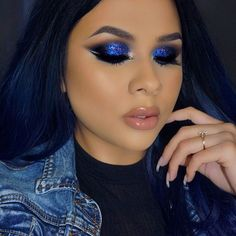 """2,030 Likes, 45 Comments - Giselle Cortes (@_makeupbygiselle) on Instagram: """"Feeling this smokey eye ✨✨ @shopwearbeauty """"Arabian nights"""" glitter USE CODE """"GISELLE"""" for off…"""""""
