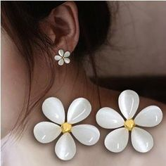 Fine Jewelry Gold plated Super Beautiful Pure Crystal Clear Opal Flowers Stud Earrings