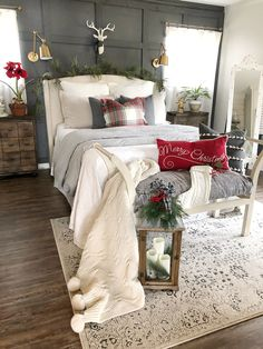 Free Cozy Christmas Bedroom Decoration Ideas New 2020 cool There are still nearly two months left until Christmas, but we see that many of you are already interested in festive decoration. That's why we've beg. Winter Bedroom, Christmas Bedroom, Cozy Christmas, Cottage Christmas, Christmas Mantels, Christmas Kitchen, Christmas Countdown, Christmas Christmas, Christmas Ideas
