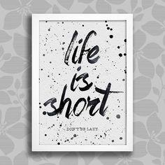 Poster Life is Short - Encadreé Posters