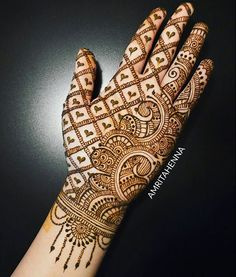 Simple and easy Arabic mehndi Designs for hands - Bridal henna designs - Hand Henna Designs Mehandhi Designs, Simple Arabic Mehndi Designs, Back Hand Mehndi Designs, Latest Bridal Mehndi Designs, Full Hand Mehndi Designs, Mehndi Designs 2018, Modern Mehndi Designs, Mehndi Designs For Girls, Henna Art Designs