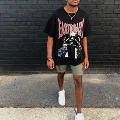 Lookn in the mirror, vision getting clearer I see why you mad Summer Outfits Men, Stylish Mens Outfits, Casual Outfits, Simple Outfits, Streetwear Mode, Streetwear Fashion, Black Men Street Fashion, Vintage Street Style Men, Men Street Wear