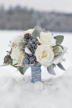 Winter wedding bouquet- weddinghelpnow.com
