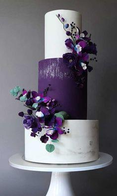 These gorgeous wedding cakes are very stylish Pretty Wedding Cakes, Purple Wedding Cakes, Wedding Cake Photos, Wedding Cakes With Cupcakes, Elegant Wedding Cakes, Wedding Cake Designs, Blue Wedding, Spring Wedding, Rustic Wedding
