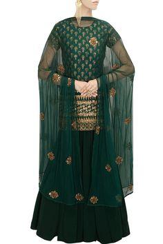 ASTHA NARANG Green sequins embroidered kurta lehenga set available only at Pernia's Pop-Up Shop. Punjabi Dress, Pakistani Dresses, Indian Dresses, Indian Outfits, Kurta Lehenga, Indian Lehenga, Sharara Suit, Salwar Suits, Sarees