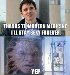 When it was revealed that Captain Jack Harkness was The Face of Boe, my heart skipped a beat, I gasped, and just Loved the show even more. Doctor Who Funny, Doctor Humor, Face Of Boe, Big Face, Captain Jack Harkness, John Barrowman, Don't Blink, Torchwood, David Tennant
