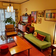 Retro Living Rooms, 1950s Living Room, Retro Interior Design, Retro Room, Room Additions, Bedroom Color Schemes, House Inside, Mid Century Decor, My New Room