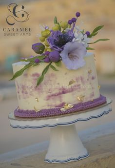 Touch of Gold & Sugarflowers by Caramel Doha