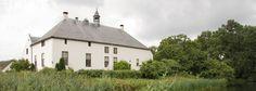 Slot Doddendael vanaf boomgaard. Ook mogelijk voor wettelijk huwelijk in boomgaard.