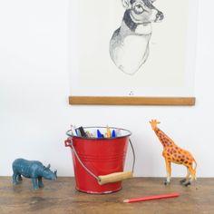 Cubo de metal esmaltado en rojo | Antic&Chic