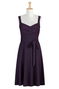 eShakti Aubergine twill dress. Casual yet stylish, with a flattering sweetheart neckline and a relaxed, flirty vibe.