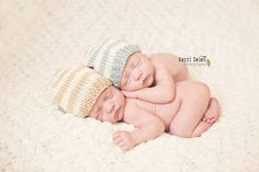 NEWBORN TWIN SET striped heart hats Adorable, warm and luxurious baby hats are ultra soft ant light, perfect for your little ones. It is hand knitted