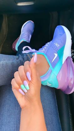 Cute Nike Shoes, Cute Nikes, Cute Sneakers, Shoes Sport, Jordan Shoes Girls, Girls Shoes, Shoes Men, Souliers Nike, Sneakers Fashion
