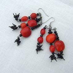 Dragon fire red Peruvian Seed drop earrings with black by Mouflon, €25.00