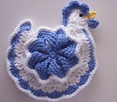 "Hen pot holder  I HAVE WANTED A ""CHICKEN"" FOR A LONG TIME... AND HERE IT IS!!!!  THANKS SO MUCH FOR SHARING!"
