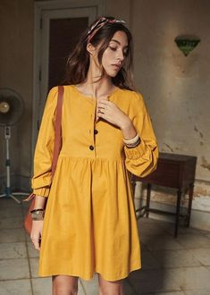 Discover recipes, home ideas, style inspiration and other ideas to try. Simple Long Dress, Simple Dresses, Casual Dresses, Short Dresses, Casual Outfits, Cute Outfits, Summer Dresses, Chiffon Dresses, Fall Dresses