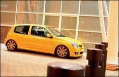Clio Sport, France, Car Stuff, Slammed, Cars, Autos, Places, Athlete, Car