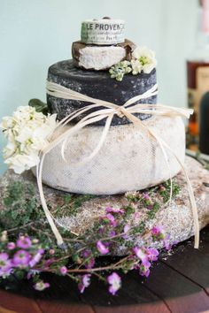 If cake is not your thing, consider a Cheese cake by denvertruffle.com (image by luckymalonewedding.com).