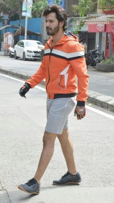 Bollywood Outfits, Bollywood Actors, Varun Dhawan Instagram, Alia And Varun, Nick Jonas, Sport Outfits, Trunks, Sporty, Mens Fashion