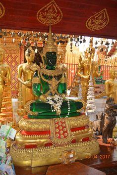Temple Doi Suthep, dit temple aux trois cent cinquante marches
