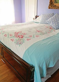 DIY Upcycled Vintage Tablecloth Duvet Cover