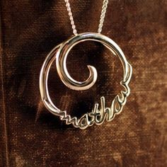 Our mothers (máthair's) eternal love necklace in Gaelic is stunning in it's simplicity. Unending circles and spirals have represented the ci. Irish Jewelry, Gems Jewelry, Jewelry Art, Jewelery, Fashion Jewelry, Irish Gaelic Tattoo, Celtic Art, Celtic Spiral, Eternal Love