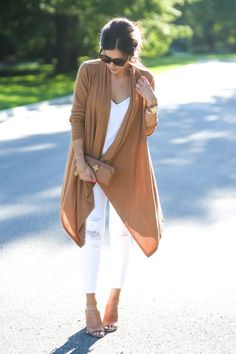 White + Cognac - Fall 2015 Outfits Suede with fringe and white Fall 2015 Outfits, Fall Winter Outfits, Autumn Winter Fashion, Look Fashion, Fashion Outfits, Womens Fashion, Fashion Trends, Fall Fashion, Modern Fashion