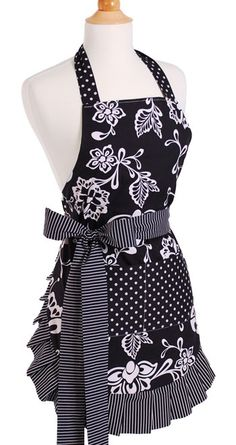 Love this style apron, just would want different fabrics I think. I need an apron!! | elfsacks