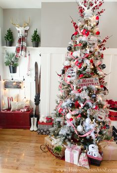 Rustic cottage Christmas tree