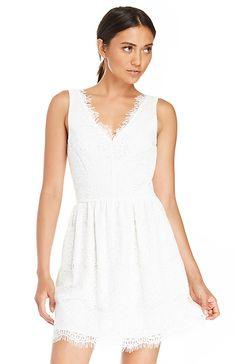 DV Dolce Vita Raidne Dress in White S   DAILYLOOK $110