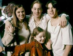 "Behind-the-scenes photo of the cast of ""Hocus Pocus""---best Halloween movie!"