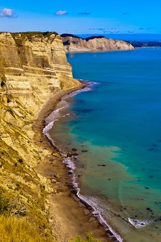 New Zealand Travel Inspiration - Cape Kidnappers, near Napier, Hawke's Bay region, North Island, New Zealand. Moving To New Zealand, New Zealand Travel, Tonga, Vanuatu, Auckland, Napier New Zealand, Fiji, New Zealand Cruises, Papua Nova Guiné
