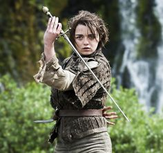 Maisie Williams as Arya Stark - Game of thrones Game Of Thrones Saison, Game Of Thrones Arya, Game Of Thrones Costumes, Maisie Williams, Serie Got, Film Serie, Cersei Lannister, Daenerys Targaryen, Khaleesi