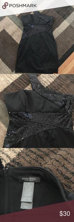 Bisou Bisou one shoulder cocktail dress size 12 Bisou Bisou one shoulder cocktail dress size 12. Excellent Condition - worn once. Bisou Bisou Dresses One Shoulder