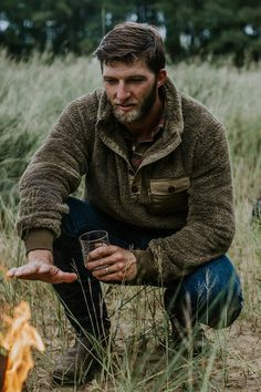 The softest fleece pullover and jackets that you will ever feel. You won't find another fleece pullover or fleece jacket like our Kodiak Collection. Fleece Pullover, Mens Fleece, Mode Masculine, Revival Clothing, Herren Outfit, Pulls, Leather Men, Green Leather, Men Sweater