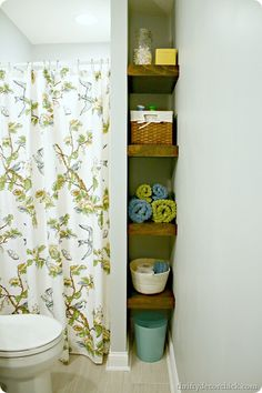 Thrifty Decor Chick: DIY floating shelves (bathroom progress)