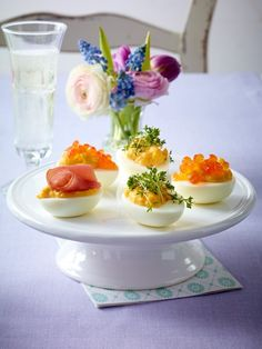 Gefüllte Eier sind der Klassiker an den Ostertagen. Aber auch auf dem Frühstücksbuffet oder in jedem Picknickkorb machen sie eine gute Figur.