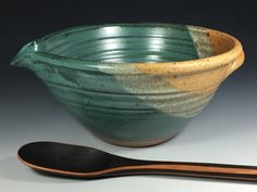 D63 - Handmade stoneware pottery batter or mixing bowl in teal.