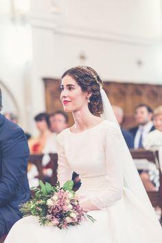 modest wedding dress Niedrig gewhlt fr Brute mit S - weddingdress Wedding Dresses Plus Size, Modest Wedding Dresses, Elegant Wedding Dress, Bridal Dresses, Pakistani Wedding Dresses, Wedding Gowns, Mermaid Wedding, Beautiful Bride, Wedding Hairstyles