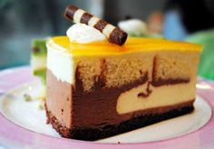 Find images and videos about food, chocolate and delicious on We Heart It - the app to get lost in what you love. Tuxedo Cake, Chocolate Heaven, Stop Eating, Homemade Cakes, Cravings, Nom Nom, Cheesecake, Goodies, Sweet