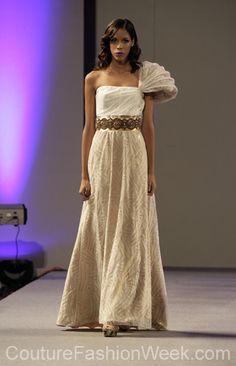 Andres Aquino Semana de Alta Moda Primavera 2013 en New York #SemanaDeModa #Moda #AltaModa #AndresAquino #Estilo #Diseno #Modelos #Vestido #Largo #NewYork #Correa