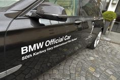 Soutěžíme o zápůjčku BMW na víkend s plnou nádrží a volné akreditace na Mezinárodní filmový festival Karlovy Vary. Kde? Na našem Facebooku :) Zkusíte svoje štěstí? ow.ly/OVBqX #BMWKVIFF Owl, Owls