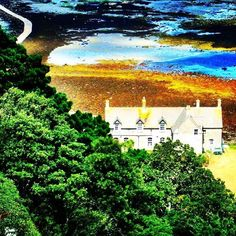 http://electroosmosisltd.co.uk  #view #stmichaelsmount #stmichael #sea #path #lowtide #sunnyday #cornwall #exploringbritain #travel #skyinwater #treescollection #trees #house #seaside #nature #green #beautifulplaces #fromabove #viewfrommountain #green #Capturing_Britain