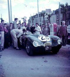 Le Mans, 1951. Jaguar XK120 - Type C.