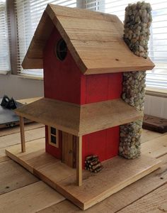 Rustic birdhouse - X X - Vogelhaus Wooden Bird Houses, Bird Houses Diy, Wood Projects, Woodworking Projects, Woodworking Videos, Woodworking Shop, Woodworking Jointer, Animal Projects, Woodworking Classes