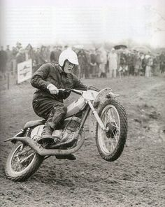 AlcoSense Lite Breathalyzer & Alcohol Tester (English/Welsh/Northern Irish Limit) What Car? Suzuki Dirt Bikes, Suzuki Motocross, Motocross Bikes, Vintage Motocross, Vintage Racing, Old School Motorcycles, Racing Motorcycles, Moto Cross, Motorcycle Racers